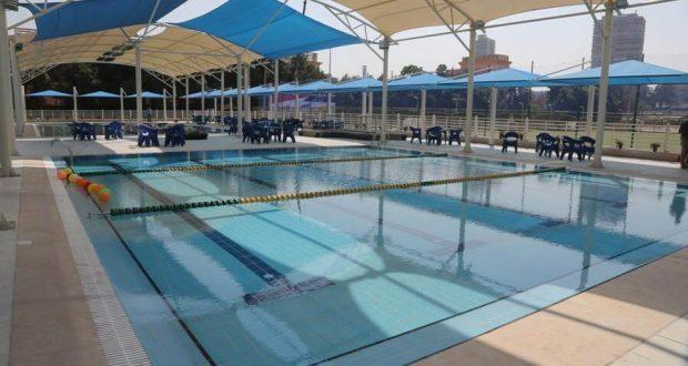 مجمع حمام السباحة في مركز شباب الجزيرة
