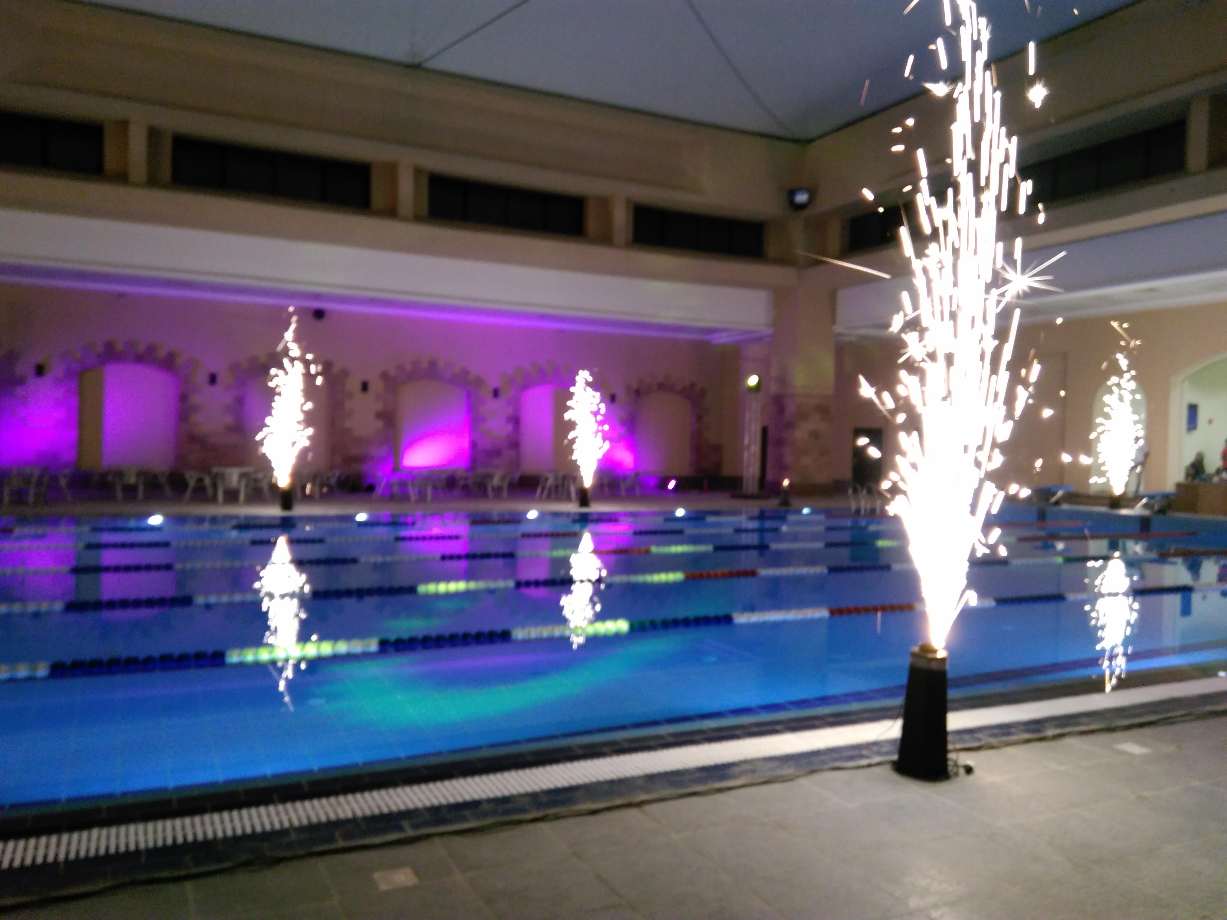 نادى الزهور يفتتح حمام السباحة المغطى