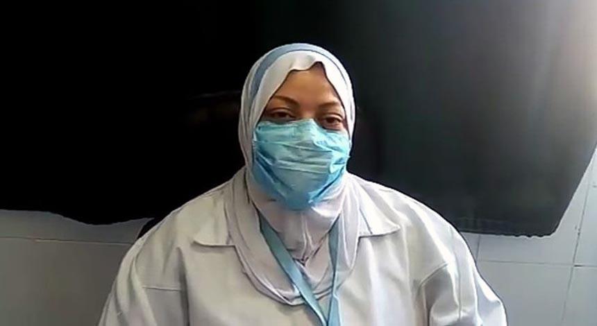 الممرضة فوقية شوقي بقسم رعاية الأطفال بالمستشفى العام بالسويس