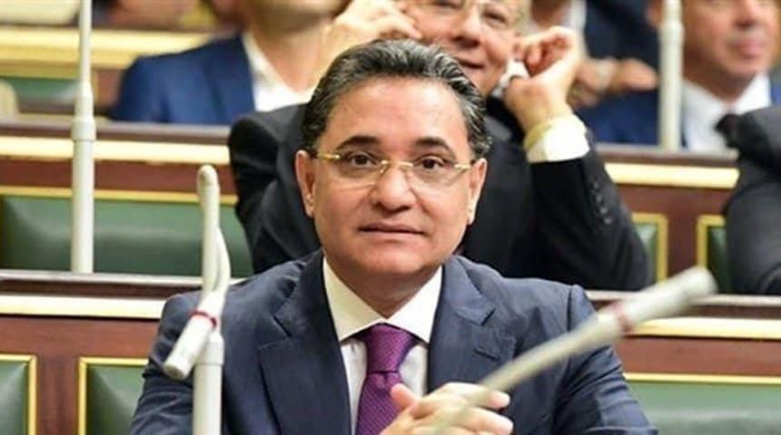 النائب عبدالرحيم علي رئيس تحرير موقع البوابة نيوز