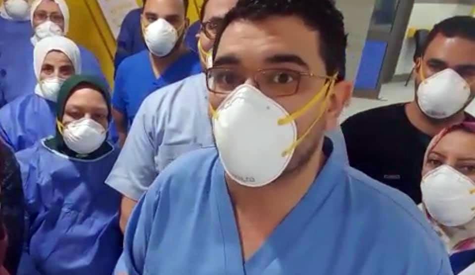 الدكتور أحمد ماضي إبراهيم يوسف أبو غنيمة أخصائي الصدر بمستشفي المعمورة