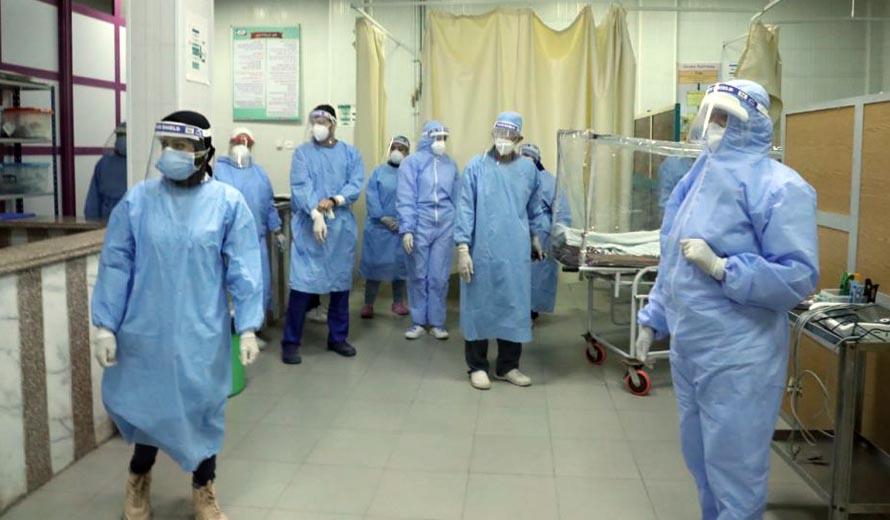 الأطقم الطبية تحارب فيروس كورونا