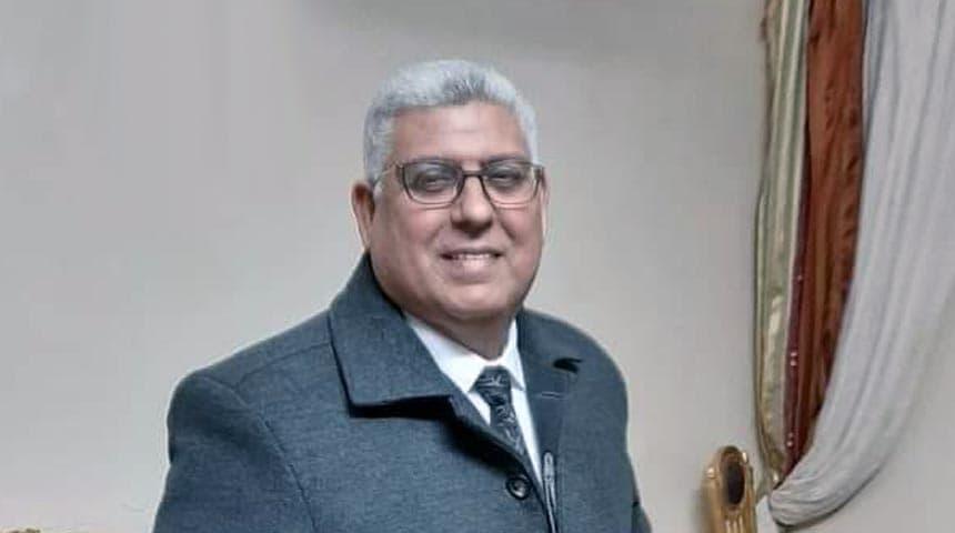 الدكتور محمد عباس، مدير وحدة طب الأسرة بالحساينه التابعة للإدارة الصحية بدكرنس