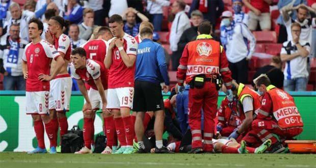 إسعاف اريكسن لاعب الدنمارك