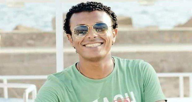 حسام السنوسي مدرب سباحة