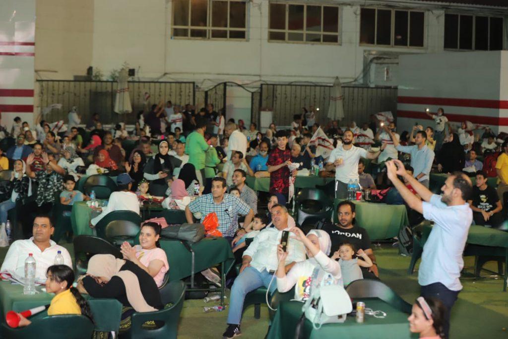 اعضاء نادي الزمالك تحتفل بلقب الدوري